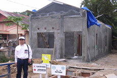 インドネシア・アチェバラ県:避難民用住宅建設現場の様子