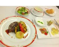 産科お祝い膳の写真