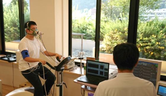 心肺運動負荷試験を行う機器(CPX)